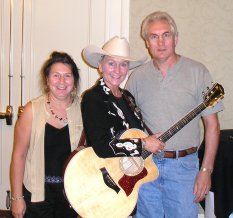 AWA member and performer Joni Harms with Graham and wife Marlene